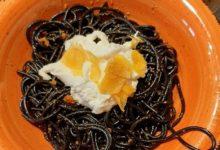 Photo of Toghe&Teglie: spaghetti al nero di seppia, burrata, ricci e bottarga