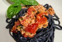 Photo of Toghe&Teglie: tagliolini al nero di seppia e ragù di mare