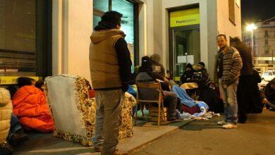 Photo of Covid-19 spaventa gli immigrati, i permessi di soggiorno calano del 58%